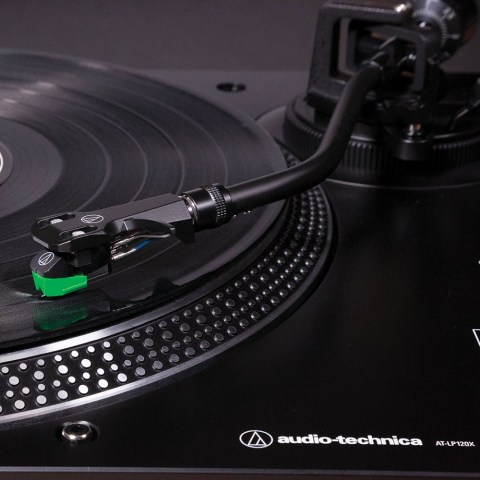 Audio-Technica AT-LP120XUSBBK Turntable - Arm on the Vinyl
