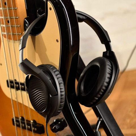 Sennheiser HD 200 PRO Headphones - Product Application - on the Guitar