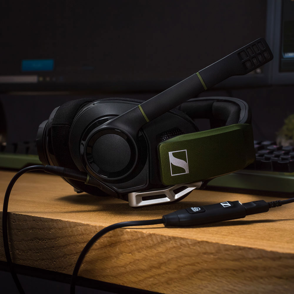Sennheiser GSP 550 Headset - Product Application - Gaming Table