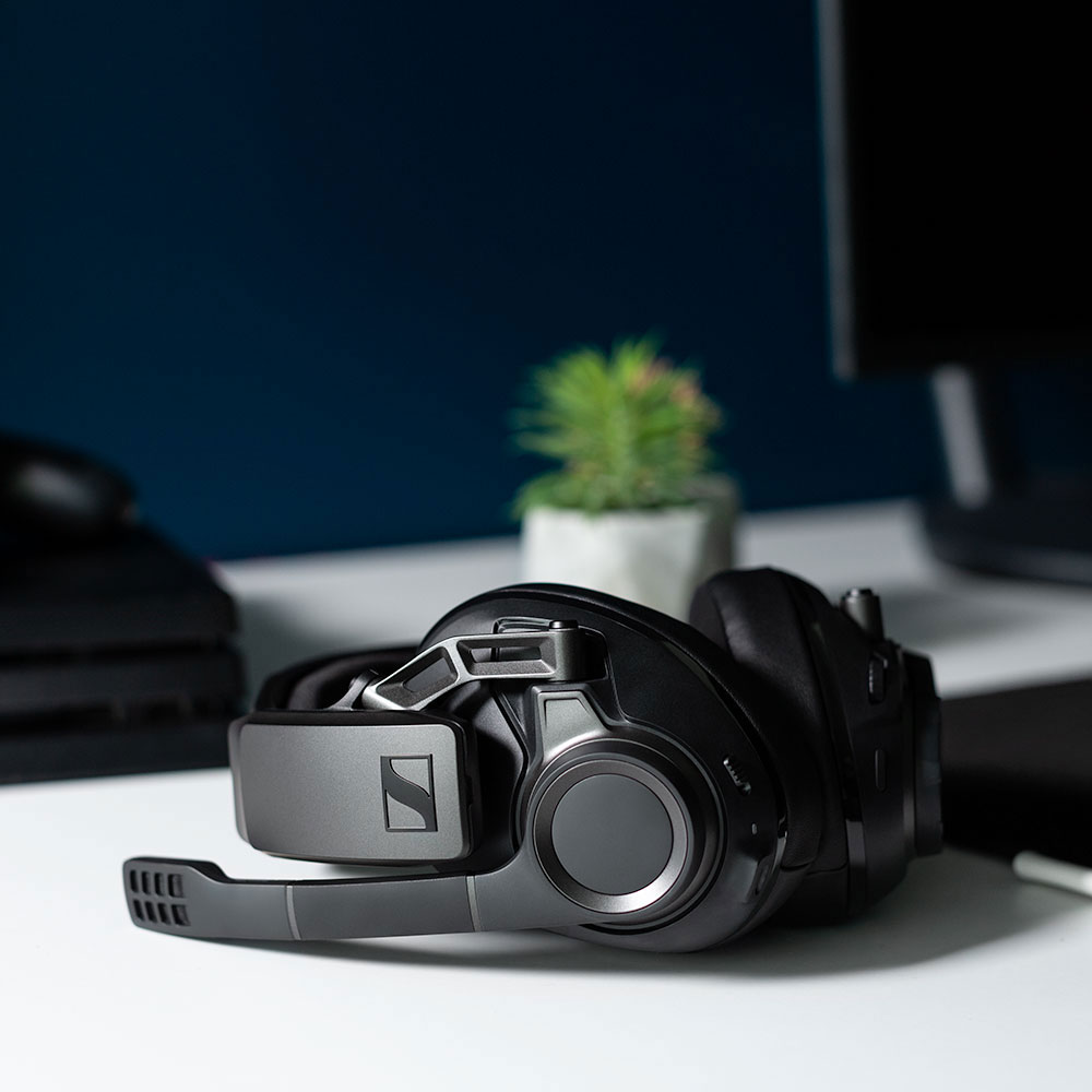 Sennheiser GSP 670 Headset - Product Application - On The Table