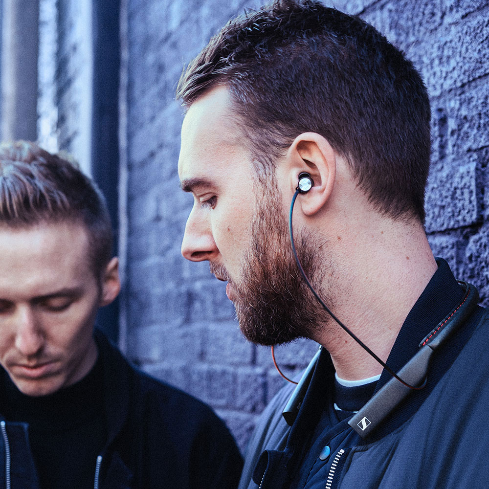 Sennheiser MOMENTUM In-Ear Wireless Earphones - Product Application Man