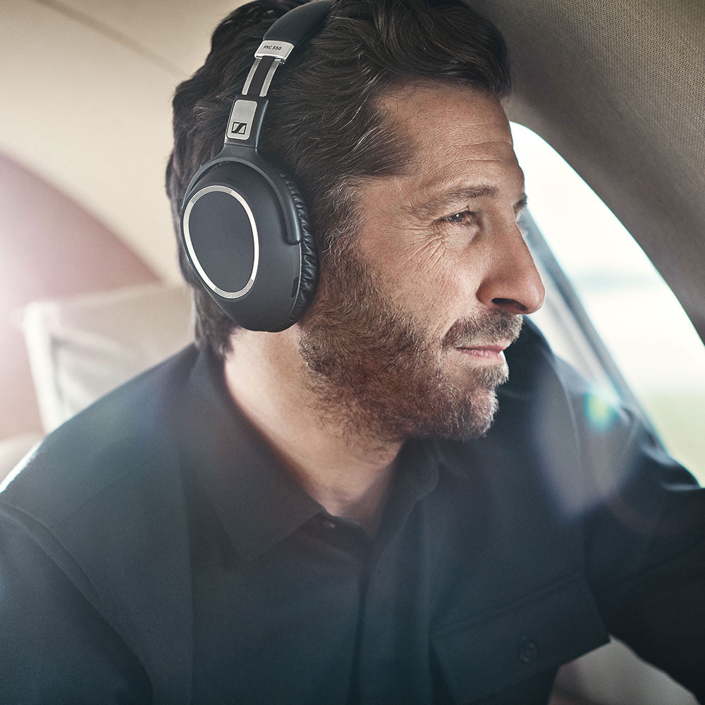 Sennheiser PXC 550 Wireless Headset - Product Application - Man 3